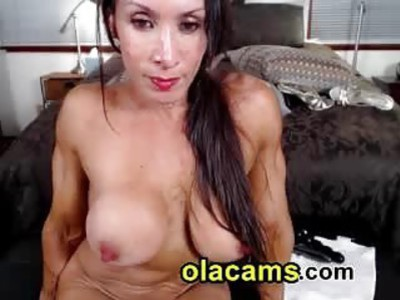 Milf bodybuilder naked on cam