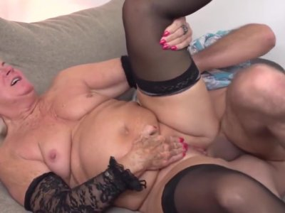 Teen boys gets blowjobs and sex from mature moms