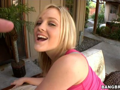 Mature man plays with magnificent ass of blonde Alexis Texas