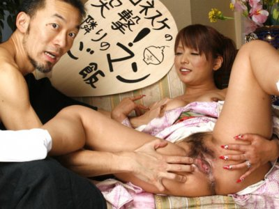 Kaede Moritaka cheats her man at home for cam