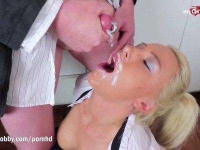 Amateur gangbang fun with stunning blonde slut