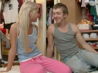 Cute blonde teen babe Ivana fucks Matthew in her bedroom