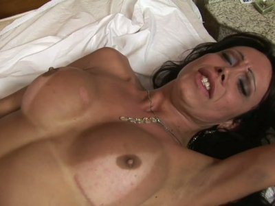 Gorgeous brunette shemale Kris Alves rides man and wants cumshot in her mouth
