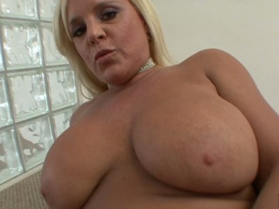 Mature BBW lassie Alexis Golden sucks thick dick all naked