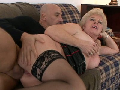 Mrs Jewell is a slutty pro in dick sucking